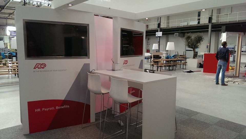 ADP - HR Live - Den Haag - tv schermen - binnenzijde stand